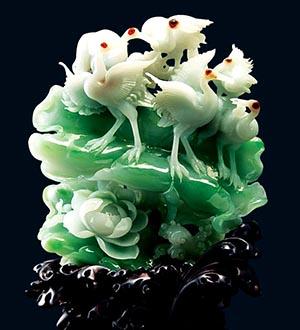 Китайская статуэтка из нефрита.